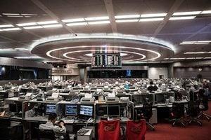 憂港版國安法 港股重挫1350點 撤資加速