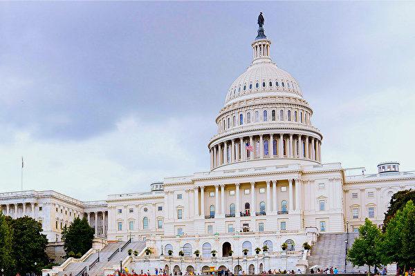 美國眾議院周四(12月19日)以壓倒性多數通過了新的美墨加貿易協議(USMCA),這對特朗普總統來說是一大勝利。(李莎/大紀元)