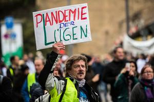 核酸測試決定疫情?德國律師質疑防疫措施