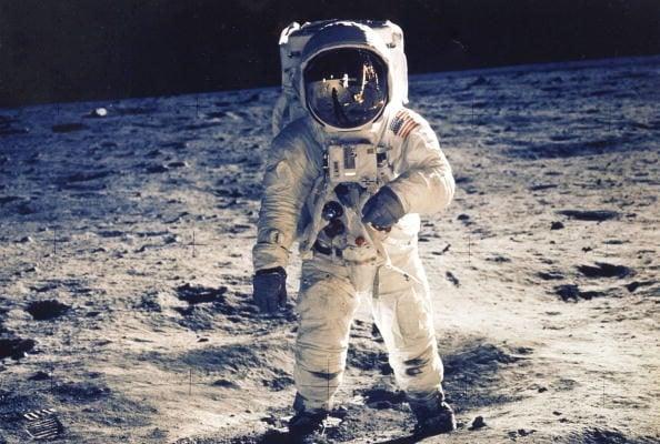 自從1972年「阿波羅17號」完成任務返回地球後,美國就終止了登月計劃。為何半個世紀以來,美國不再計劃登月?(NASA/Getty Images)