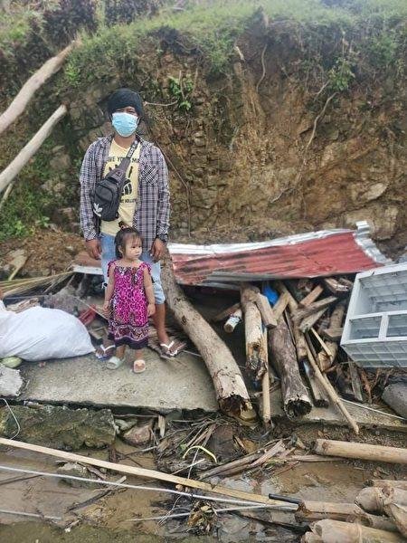 颱風摧毀了他們的房子。(由羅謝爾‧雷耶斯提供)