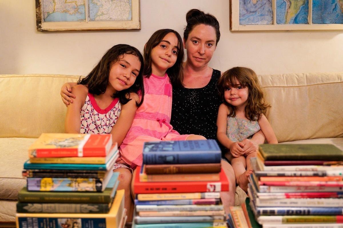 維珍尼亞說,她現在沒有了生意,可以利用這段時間多陪陪孩子和家人。(大紀元)