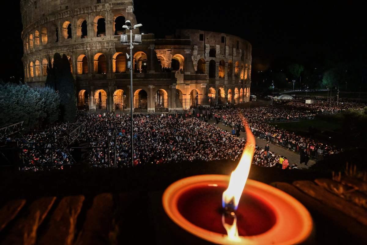 2019年4月19日,古羅馬競技場前舉行的一次宗教儀式活動。 (VINCENZO PINTO/AFP via Getty Images)
