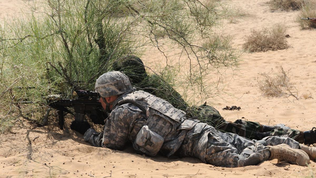 美國和印度2012年舉行的「準備戰爭」聯合軍演。(SAM PANTHAKY/AFP via Getty Images)