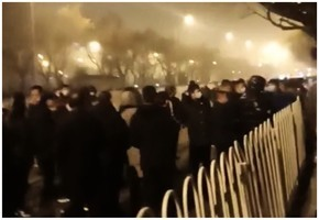 中共開兩會 北京警察利用人臉識別抓捕訪民