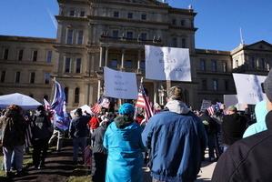 【制止竊選】密歇根民眾:我們在為美國而戰