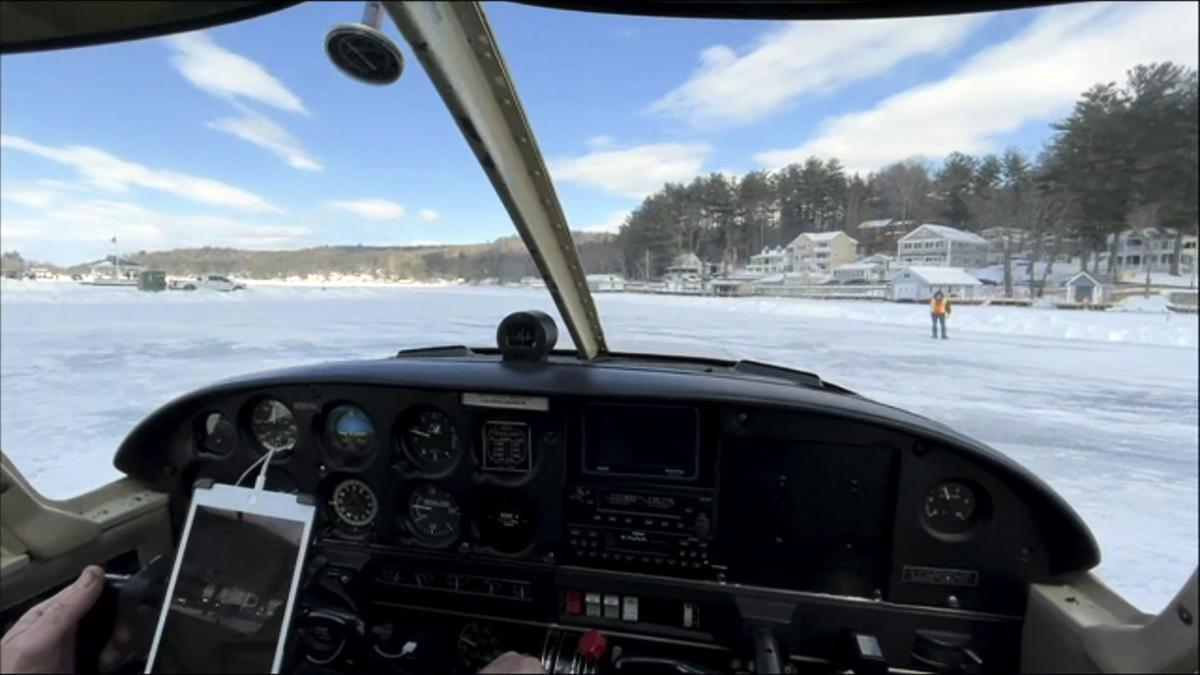 這是唯一獲得美國聯邦航空管理局(FAA)批准使用的冰面跑道。(JOSEPH PREZIOSO/AFP via Getty Images)