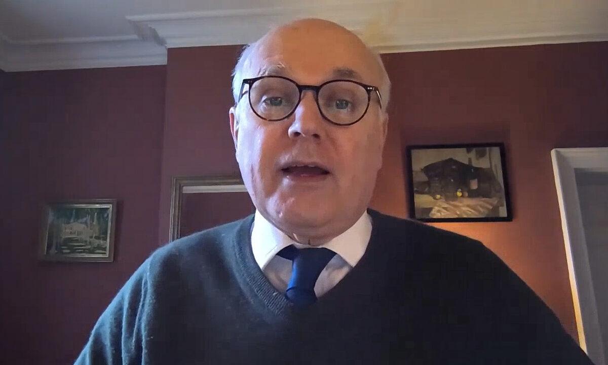 2021年3月4日,英國下議院議員施志安爵士,通過影片接受《大紀元時報》採訪。(大紀元影片截圖)