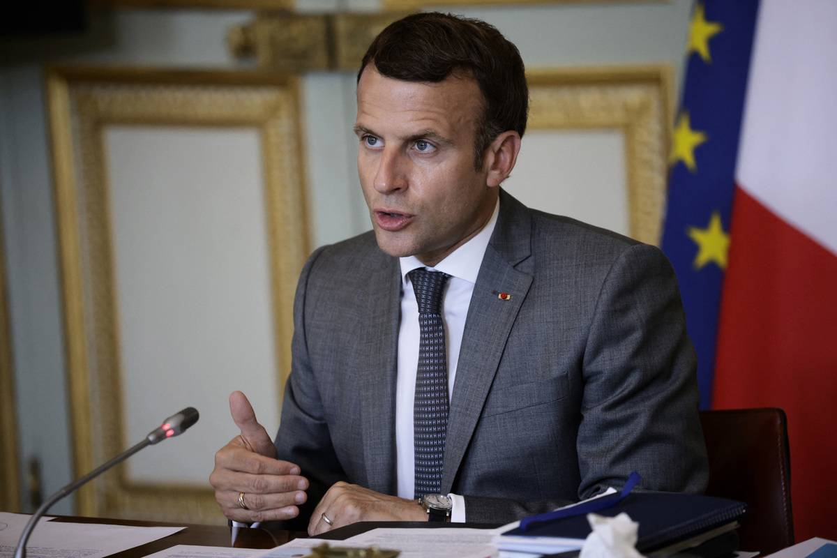 2021年7月19日,法國總統埃馬紐埃爾·馬克龍(Emmanuel Macron)在於法國巴黎愛麗舍宮(Elysee Palace)舉行的第五屆法國-大洋洲視像峰會結束時發表講話。(YOAN VALAT/POOL/AFP via Getty Images)