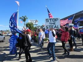 華裔選民:保護好美國民主制度