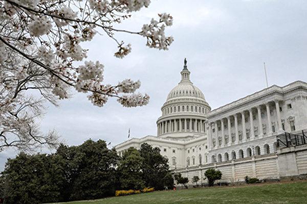 2020年3月16日,美國華盛頓特區,中共病毒(武漢病毒、新冠病毒、COVID-19)疫情爆發期間的國會大廈。(Samira Bouaou/大紀元)