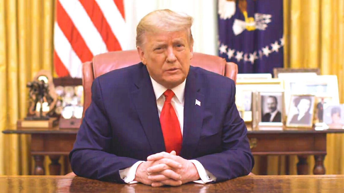 圖為2021年1月13日,特朗普總統在白宮發佈視像講話(截圖/白宮)