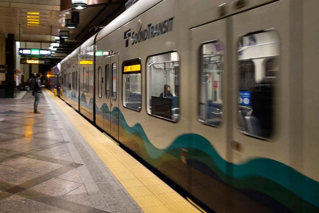 受武漢新冠疫情影響,2020年3月16日上午的美國西雅圖地鐵站旅客稀少,多數市民已經開始在家工作。(Karen Ducey/Getty Images)