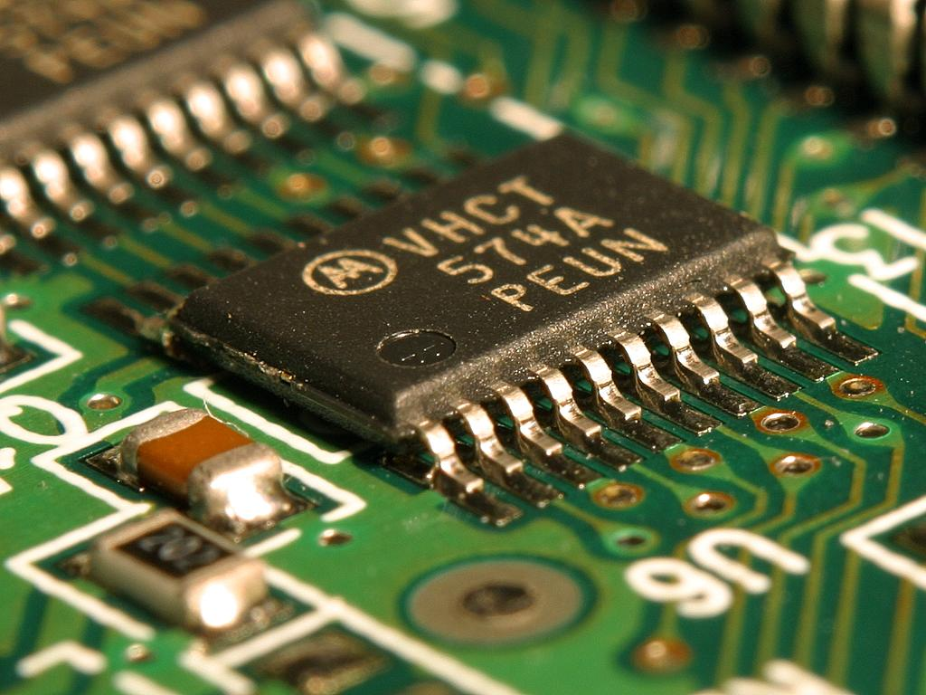 中國最大的合約晶片製造商中芯國際(SMIC)在技術方面落後於競爭對手。圖為晶片示意圖。(公有領域)