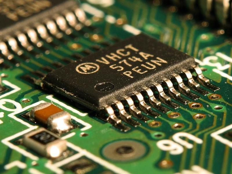 晶片大規模短缺 專家籲將生產線帶回美國
