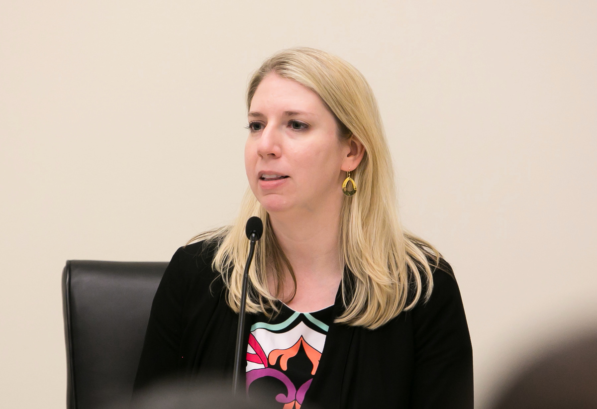 美國國際宗教自由委員會(USCIRF)的研究與政策副主任Tina Mufford。(李莎/大紀元)