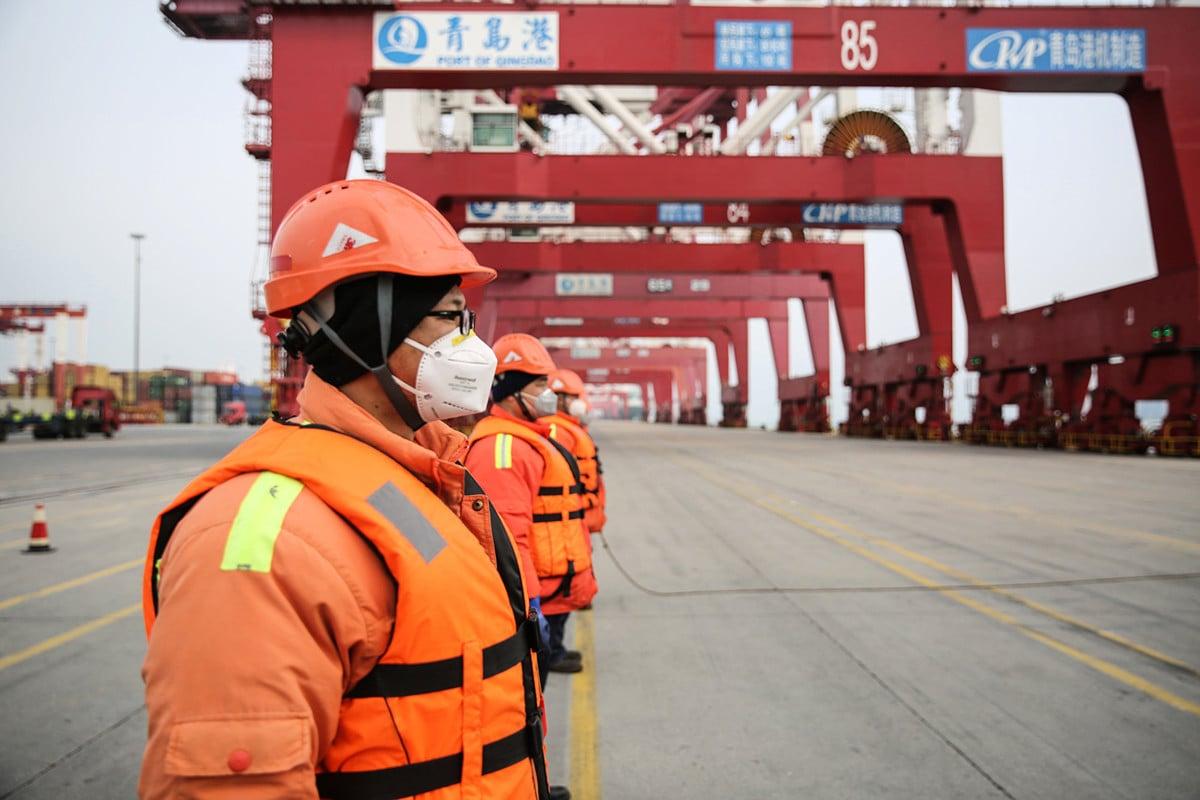 2020年4月全球中共病毒疫情遲未消停,專家認為中國即使復工,在沒有訂單下,仍是「死路一條」,第二季度出口貿易可能下滑20%。(STR/AFP)