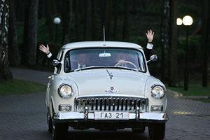 除了英女皇開車載凱特 這些政要也當過司機