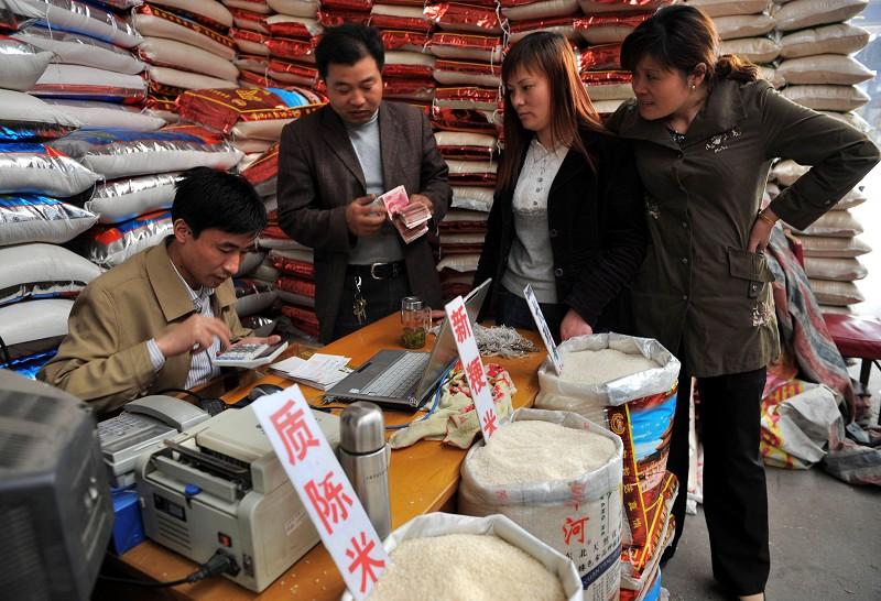 揭祕中國糧食危機:糧庫大火燒出億噸水分