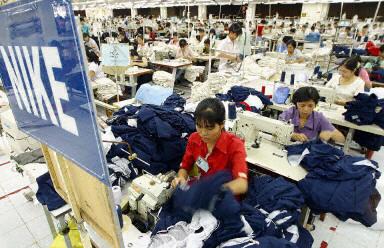 越南日前展開行動,打擊把中國(大陸)商品偽造成「越南製造」產地商標的不法廠家。(法新社)
