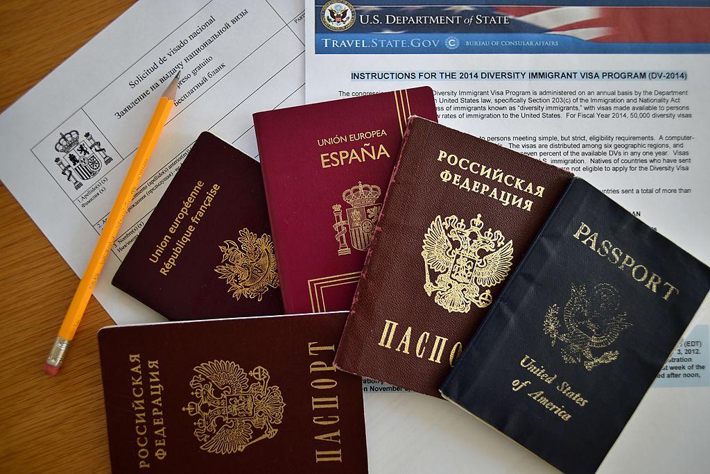 美國國土安全部(DHS)年初公佈修改H-1B工作簽證的建議書,一旦生效將對申請人和外包服務公司的僱傭狀況產生很大影響。 (AFP via Getty Images)