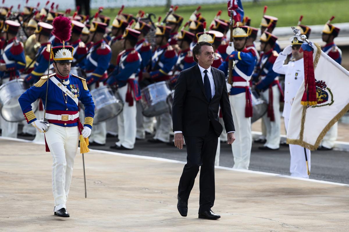 2019年1月1日,巴西新當選總統博索納羅(Jair Bolsonaro)宣誓就職,這是巴西自30年前軍事統治結束以來第一位當選的右翼總統。(Bruna Prado/Getty Images)