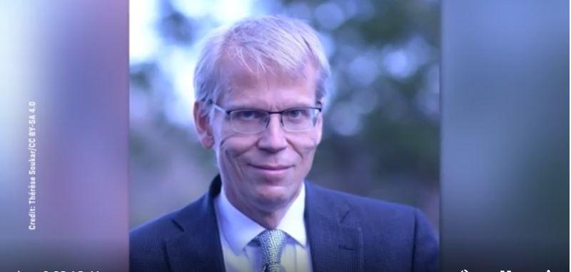 哈佛大學教授庫爾多夫(Martin Kulldorff)從事疫苗研究已有二十多年。他談到了人體的自然免疫。,他表示強制接種疫苗是出於政治原因,對公眾健康不利。(新唐人電視台)