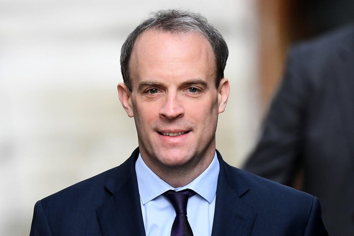 2020年4月8日,英國外交大臣多米尼克·拉布(Dominic Raab)到達倫敦唐寧街10號,參加於當天舉行的C-19委員會會議。(Peter Summers/Getty Images)