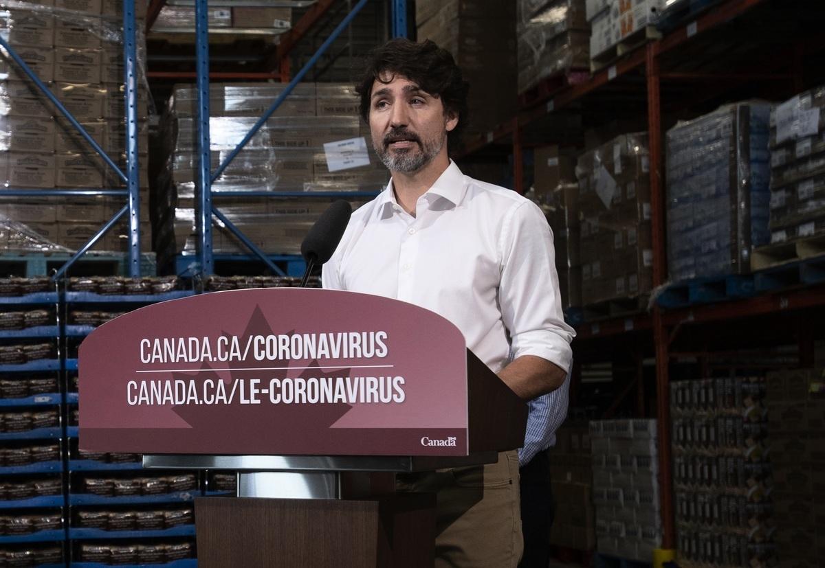 杜魯多7月3日在魁北克省加蒂諾市(Gatineau)的一家食品銀行對媒體談到了港版國安法的影響。(加通社)