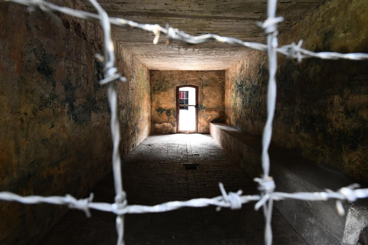位於波蘭的一處納粹集中營的毒氣室。(Bruce Adams-Pool/Getty Images)