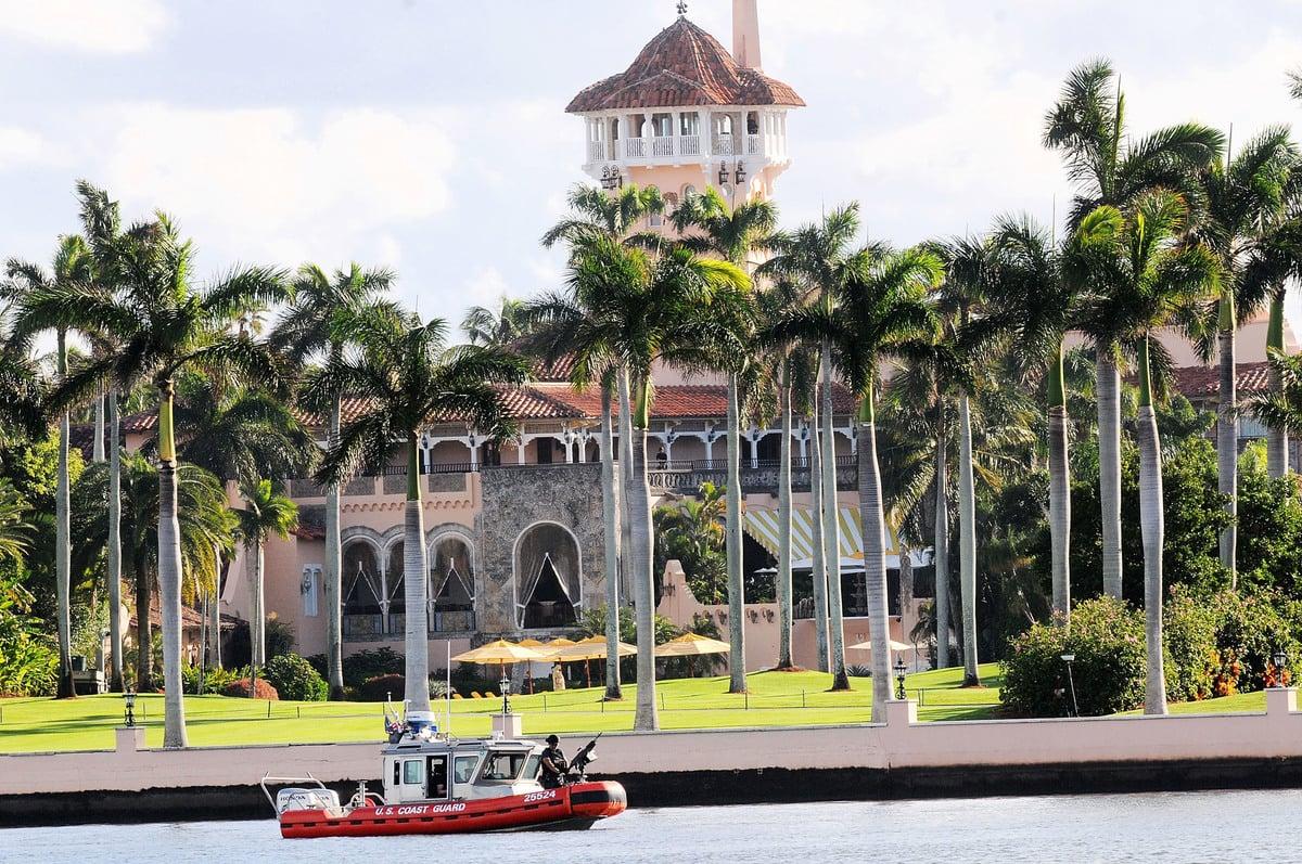 一名中國籍女子上周在特朗普總統的「冬季白宮」海湖莊園(Mar-a-Lago)被特勤人員逮捕。(Saul Martinez/Getty Images)