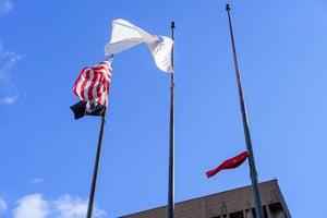 中共在波士頓升旗遭抗議  旗卡半空最終取消