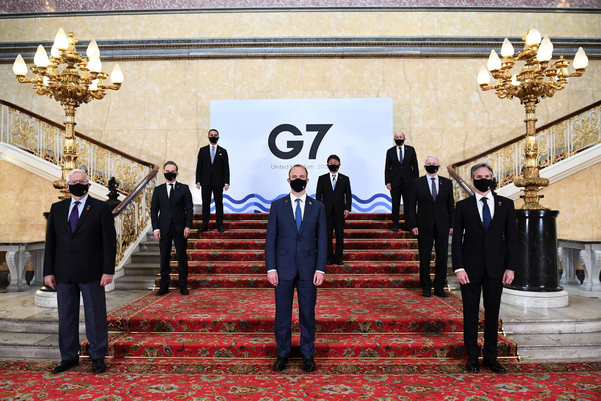 2021年5月4日,七國(G7)集團外長在倫敦蘭開斯特宮(Lancaster House)照「全家福」。(Stefan Rousseau-WPA Pool/Getty Images)