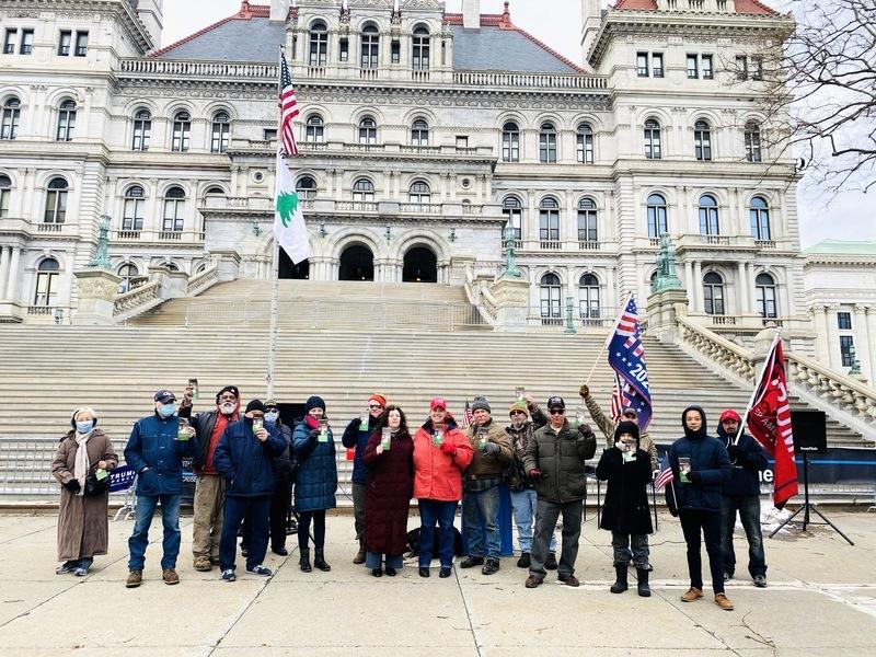 紐約州府議會前 民眾大聲呼籲「END CCP」