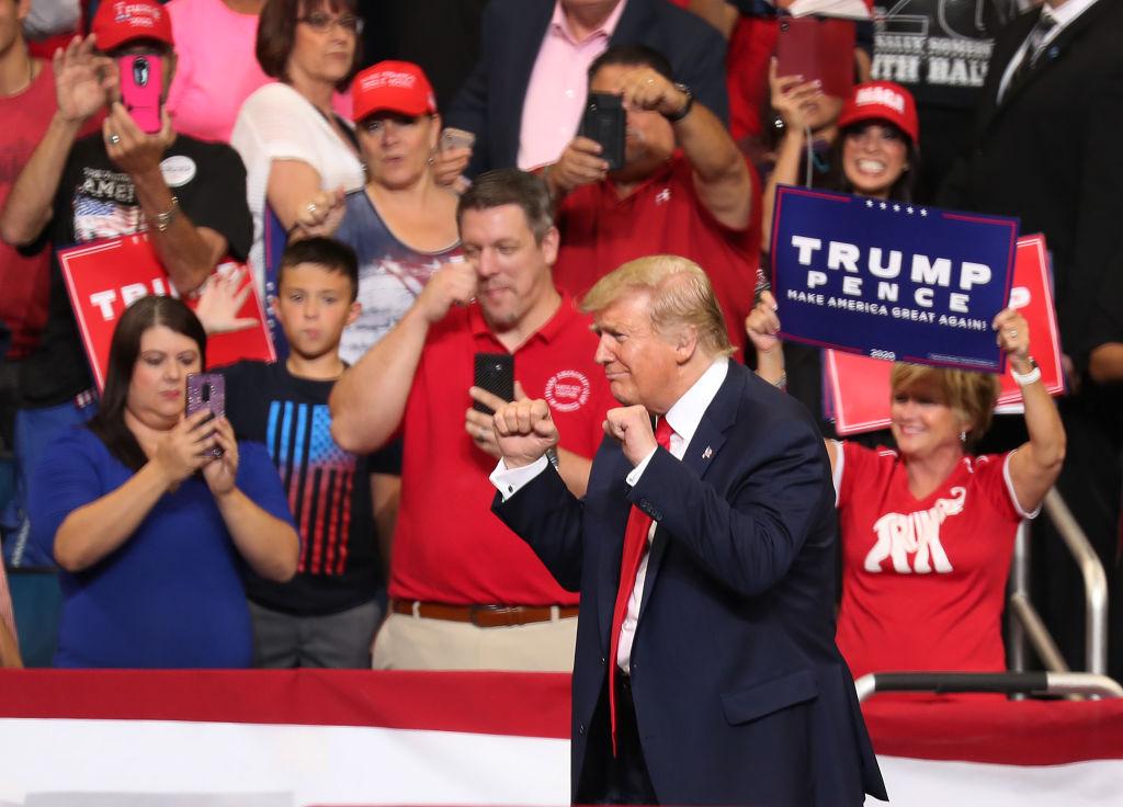 6月18日特朗普總統在佛羅里達州奧蘭多市的安利球場宣佈競選連任。圖為特朗普在集會現場。(Joe Raedle/Getty Images)