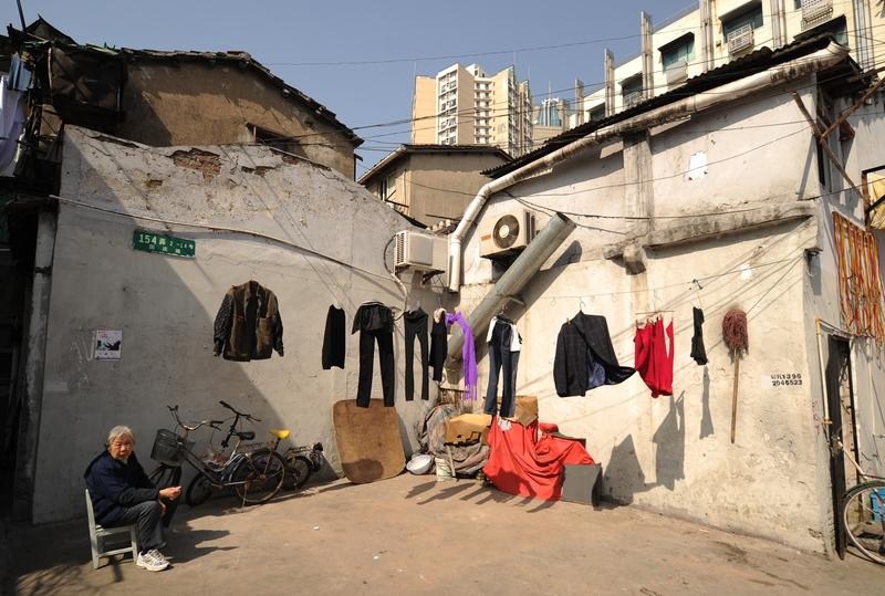 圖為2013年3月上海的一個貧民區。(Getty Images)
