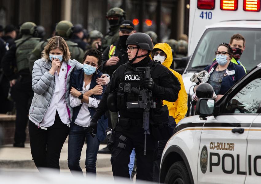 科羅拉多槍案遇難者身份公佈 槍手被控十罪