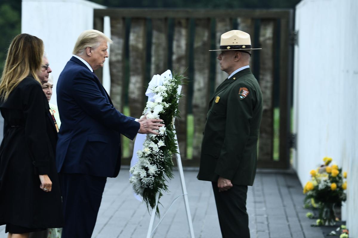 9月11日,美國總統特朗普在賓夕凡尼亞州參加悼念活動。(Brendan Smialowski/AFP)