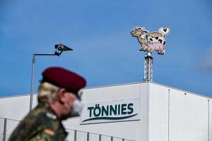 肉廠八百多工人染中共病毒 德國檢察院調查