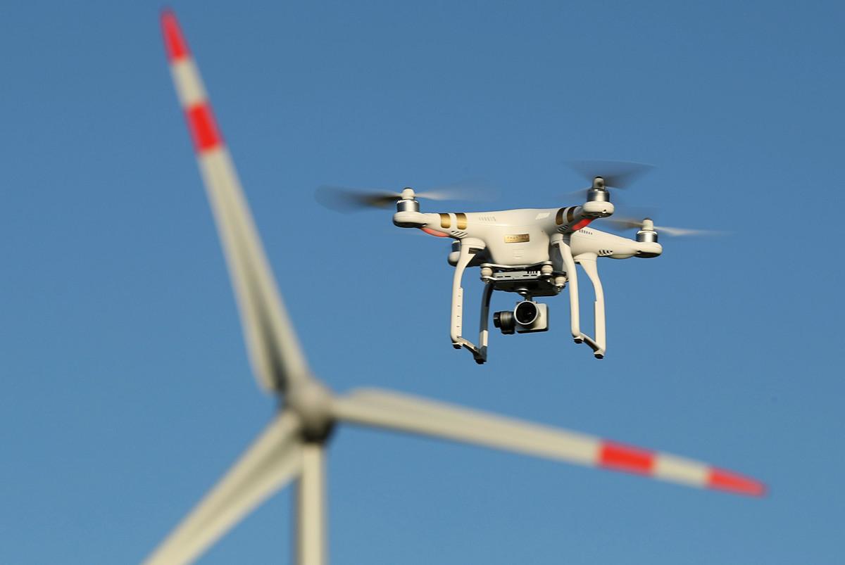 一家為美國多州、執法部門,以及美國本土和一些其它國家公共機構提供無人機技術的供應商將停止與中國無人機製造商大疆合作,理由是安全問題。圖為大疆無人機。(Sean Gallup/Getty Images)