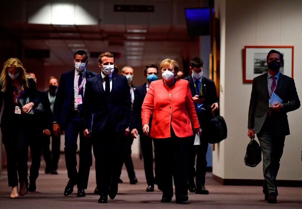 20年來談判時間最長的歐盟峰會,終於達成史上最大規模的援助協議。(JOHN THYS/POOL/AFP via Getty Images)
