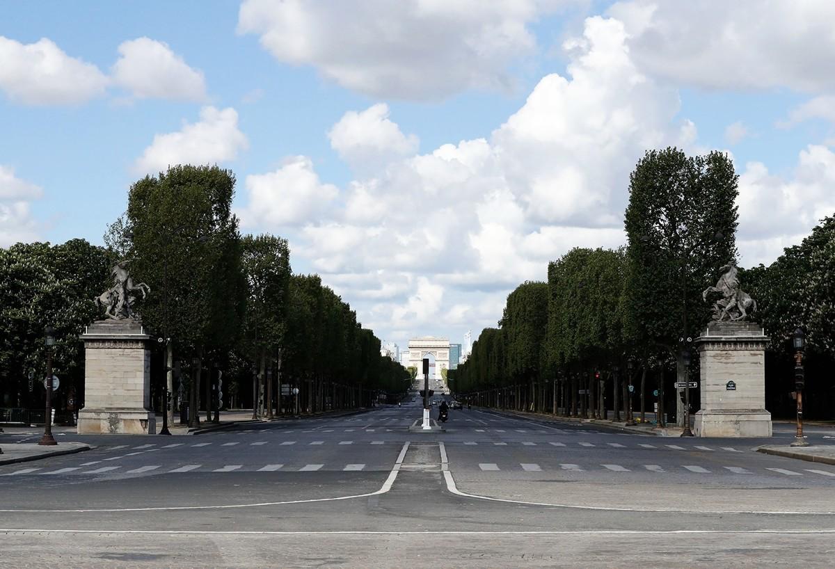 2020年4月18日,法國全國禁足第33天的巴黎香榭麗捨大道。(FRANCOIS GUILLOT/AFP via Getty Images)