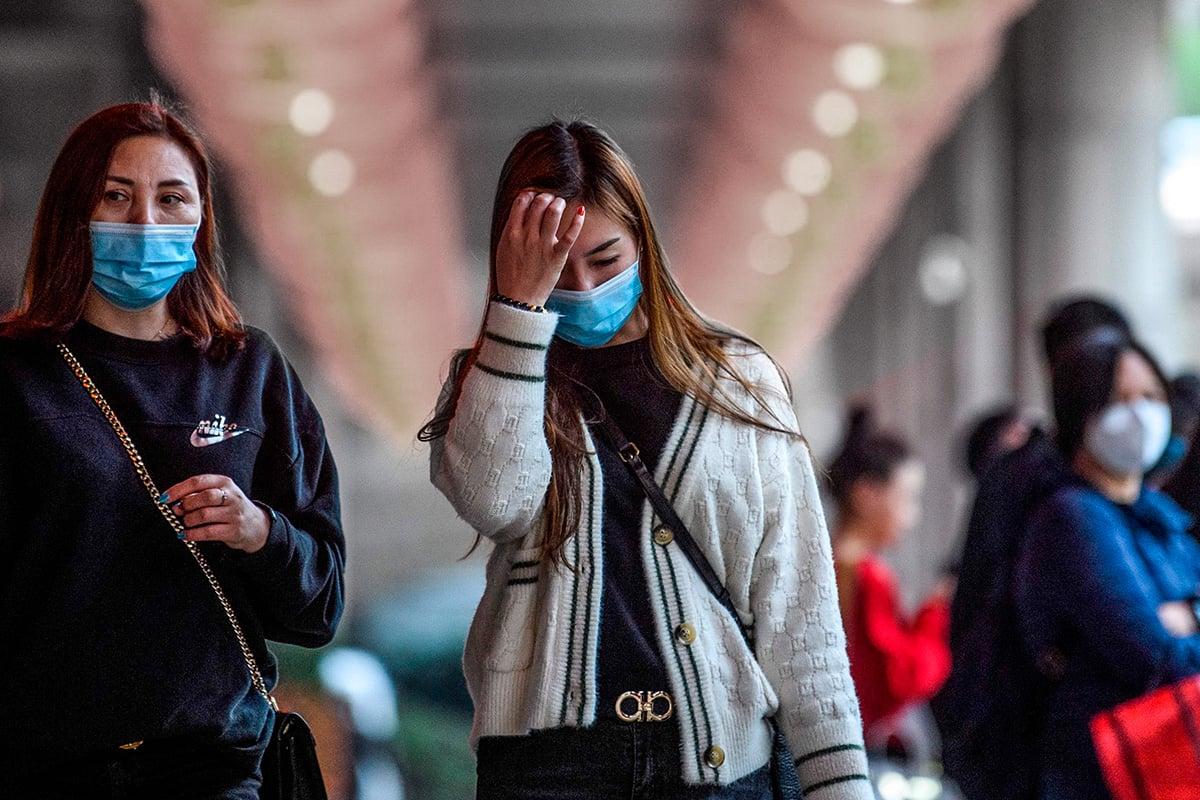 中共肺炎病人痊癒後,複檢中共病毒再次呈陽性,可能是何原因?(ANTHONY WALLACE/AFP via Getty Images)