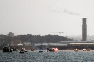 脫歐後捕魚權爭議 法國漁民圍堵澤西港口