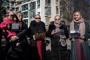 各界聲援709家屬剃髮 抗議中共無法無天