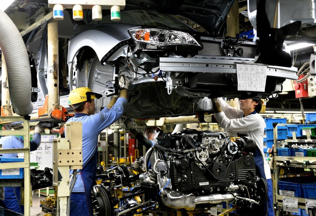 全球持續鬧半導體晶片荒,車用晶片首當其衝,日本車廠「速霸陸(Subaru)」因受影響已宣佈關閉群馬縣矢島工廠。圖為速霸陸的工廠。(YOSHIKAZU TSUNO/AFP via Getty Images)