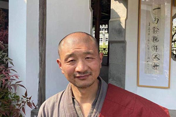 南京兜率寺35名僧人實名舉報市宗教局官員。圖為代表僧人釋正念。(受訪人提供)