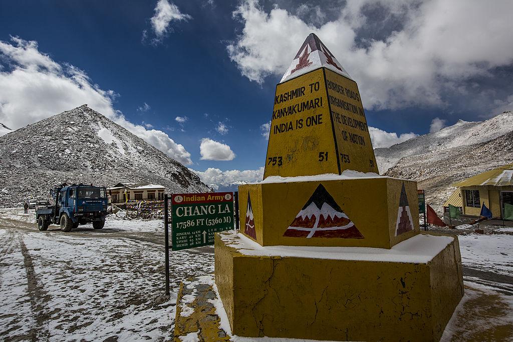 中印邊境前往班公錯途中的印度軍隊的站點。(Daniel Berehulak/Getty Images)