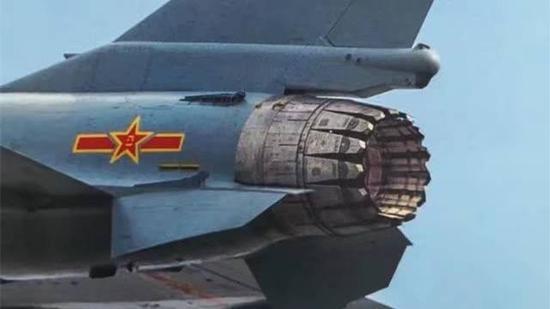 互聯網曝光殲-10戰機裝備矢量噴管的細節。(網絡截圖)