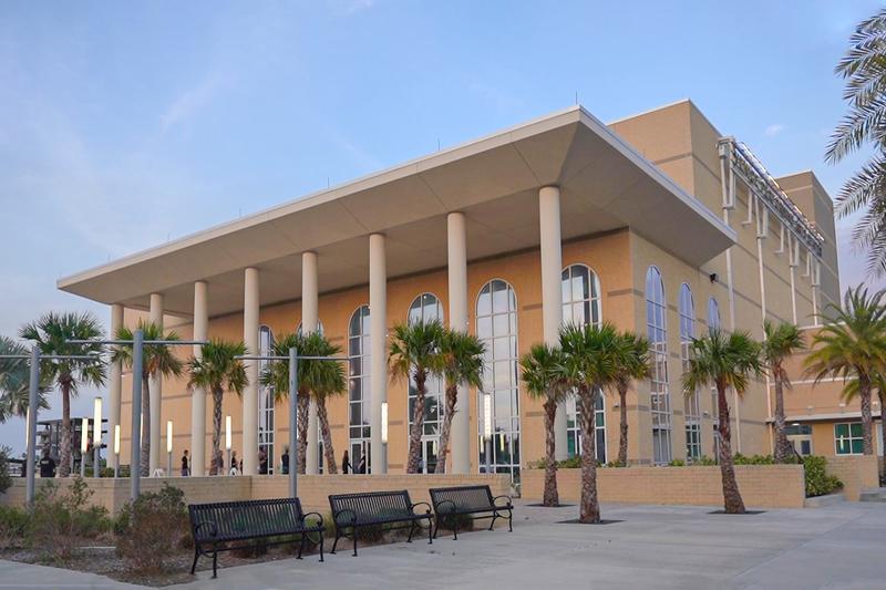 2020年3月14日,美國神韻藝術團在美國威尼斯表演藝術中心上演了兩場演出,受到觀眾的熱烈歡迎。(岳磊/大紀元)
